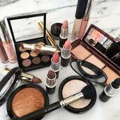 make-up,nars cosmetics,anastasia beverly hills,lipstick,makeup brushes,makeup palette,eye makeup,contour,highlight,make up palette,red lipstick,mac cosmetics,mac lipstick,cheek blush