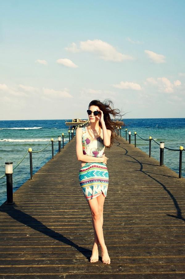 oh my blog dress jewels sunglasses