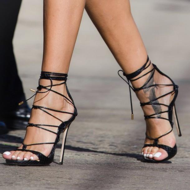 Women Wearing Sexy Shoes 7