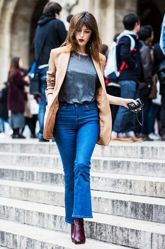 jeans cropped bootcut blue jeans cropped bootcut jeans blue jeans cropped jeans boots burgundy boots grey t-shirt t-shirt blazer camel blazer fall outfits