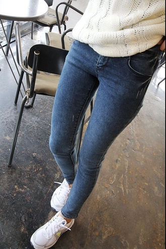 jeans cute tumblr pants fashion sweater blue jeans blue skinny jeans high waisted jeans blue denim girly summer bottoms streetstyle skinny skinny jeans