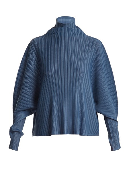 top pleated blue