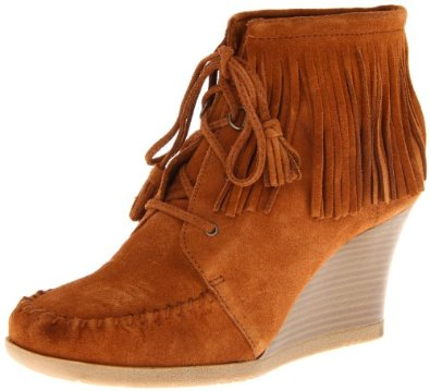 Amazon.com: Minnetonka Women's Lace Up Fringe Ankle Boot: Minnetonka Lace Up Fringe Ankle Wedge Boot: Shoes