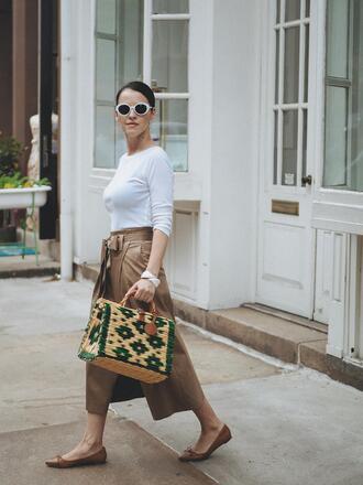 bag tumblr woven bag skirt midi skirt top nude skirt white top sunglasses white sunglasses flats ballet flats