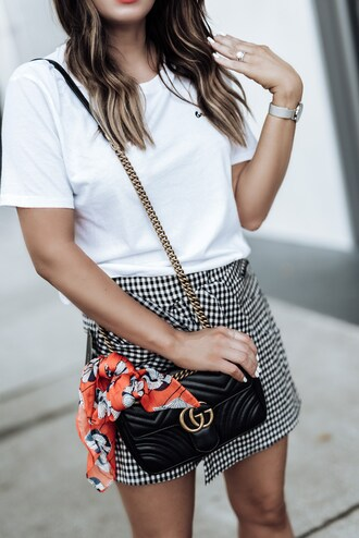 skirt mini skirt gingham skirt t-shirt blogger blogger style crossbody bag