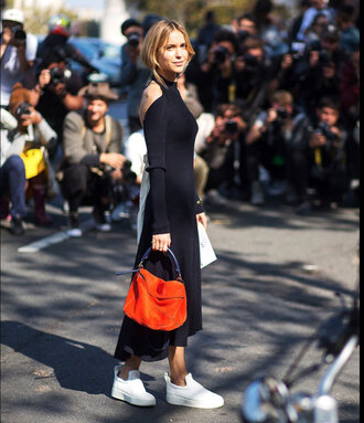 look de pernille blogger dress shoes bag jewels loewe bag midi dress ribbed dress open back dresses backless dress black dress orange bag sneakers white sneakers streetstyle