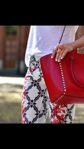 pants,print,red,white,black,summer,spring,bag,ring,flowers,printed pants,white pants