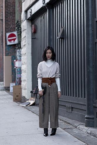 von vogue blogger top sweater belt pants shoes