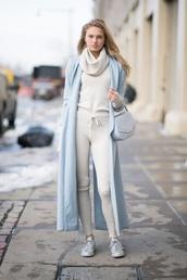 sweater,romee strijd,model off-duty,winter outfits,coat,ny fashion week 2017,fashion week 2017,sneakers,turtleneck sweater,nyfw 2017