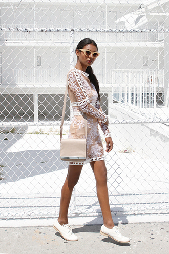tuolomee blogger lace dress nude white shoes oxfords