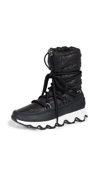Sorel Kinetic Boots in black / white