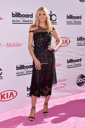 dress sandals heidi klum billboard music awards midi dress black dress black shoes