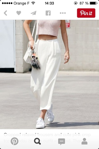 jeans pants top ribbed top wrap pants pink top crop tops v neck white pants sneakers white sneakers bag white bag kendall jenner streetstyle