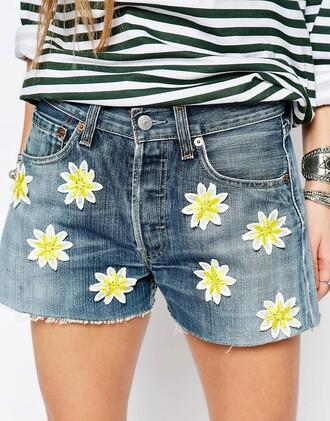 shorts daisy daisy print floral white flower denim shorts