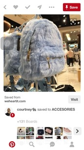 bag,grey,fur,backpack,gold,zip,fur bag,grey fur bag,furry bag,furry backpack,faux fur backpack,cute,bad and bougie,grey bag,grey fur