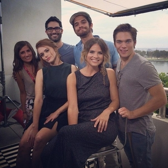 dylan sprayberry dylan o'brien tyler posey holland roden shelley hennig teen wolf mtv backstage celebrity dark dark dress actor actress the secret circle black dress mini dress