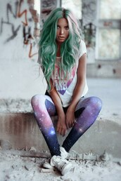 leggings,tumblr,girl,green,hair,cute,pastel hair,printed leggings,green hair,tights,emo,lgbt,t-shirt,shirt,gradient,pink,purple,heart,white,white words,pants