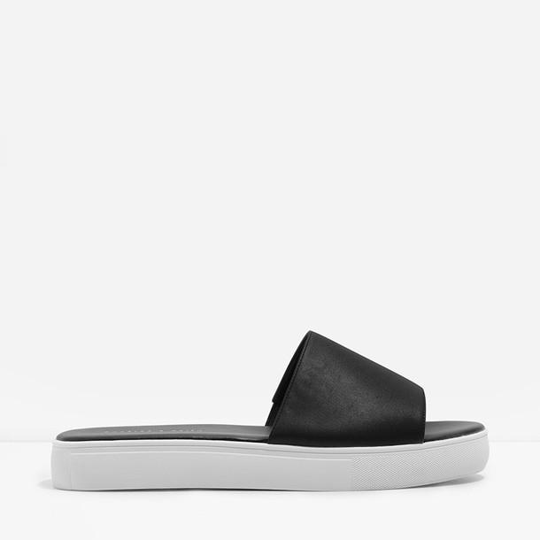 basic black shoes