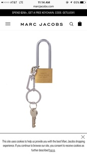 home accessory,marc jacobs,keychain,gold,lock,padlock