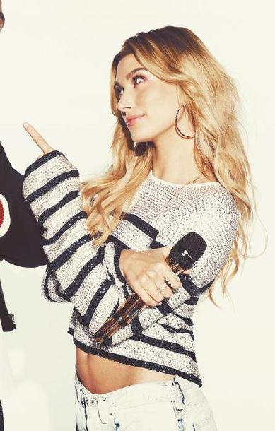 sweater instagram hailey baldwin model off-duty