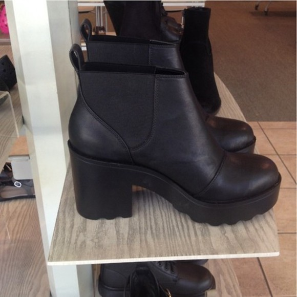 shoes boots black tumblr heel