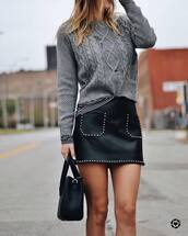 skirt,tumblr,mini skirt,leather skirt,black leather skirt,sweater,grey sweater,knit,knitwear,knitted sweater,bag,black bag