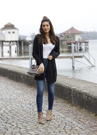 seekingsunshine blogger sweater jeans shoes cardigan louis vuitton bag skinny jeans ankle boots