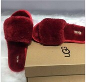 shoes,ugg boots,slippers,red