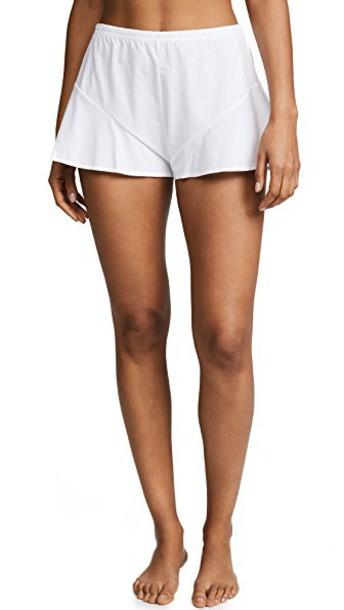 Skin shorts white