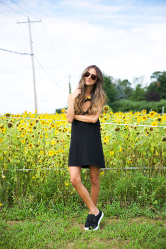 something navy blogger dress tank top shoes