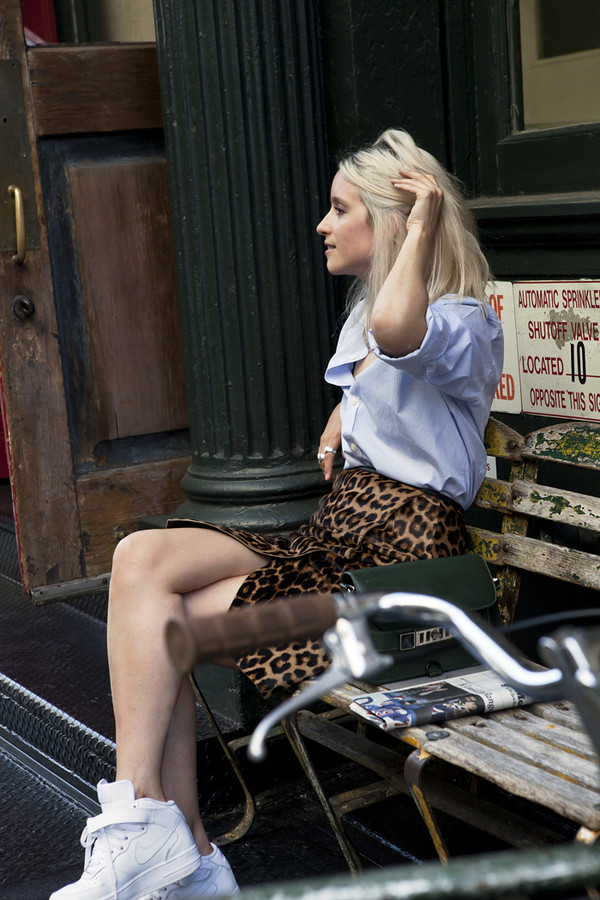 the fashion guitar shirt skirt jewels bag underwear