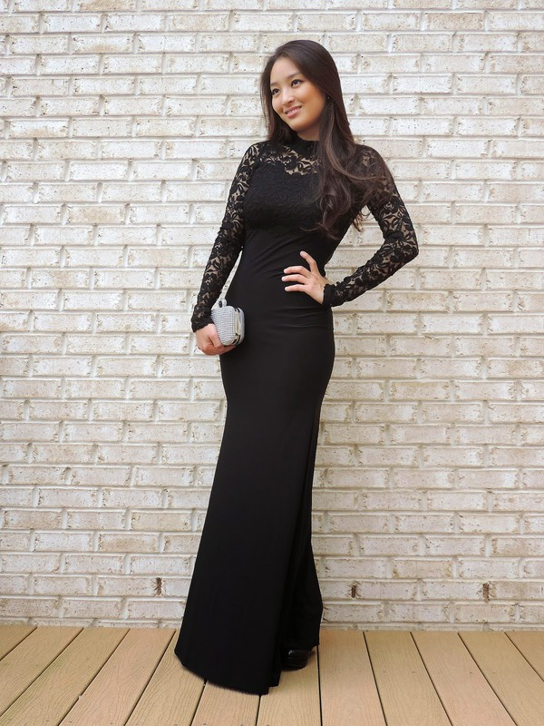 sensible stylista blogger jewels bag bodycon dress long prom dress long sleeve dress lace dress black dress prom dress