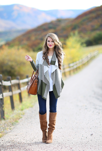 southern curls and pearls blogger cardigan t-shirt jeans shoes jewels bag