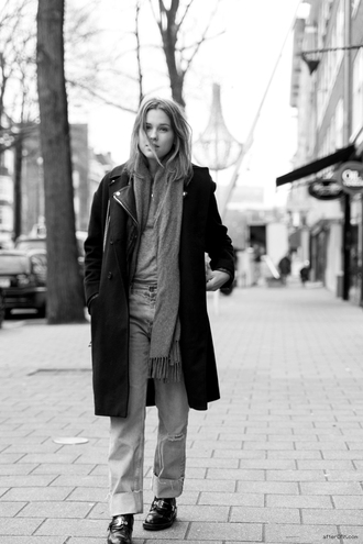 after drk coat jacket t-shirt jeans shoes scarf