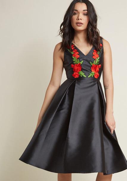 Modcloth dress flare dress sleeveless flare fit floral black