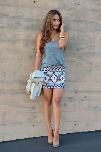 skirt mini skirt loose top bracelets necklace tan heels jacket tank top