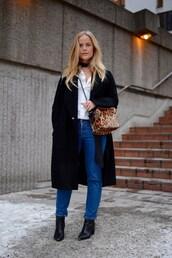 joanna fingal,blogger,animal print bag,leopard print,long coat,black coat,straight jeans