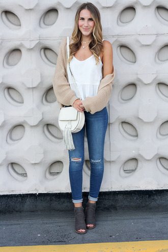twenties girl style blogger tank top sweater shoes bag jewels shoulder bag white bag white top cardigan booties peep toe boots