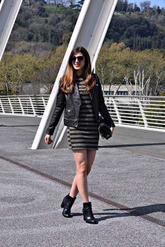 cosamimetto blogger jacket dress shoes bag sunglasses jewels ankle boots black leather jacket mini dress spring outfits