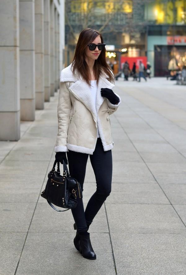 vogue haus t-shirt jacket jeans shoes bag jewels sunglasses