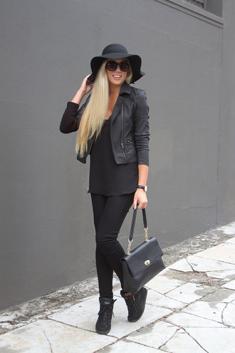 superficial girls blogger hat all black everything black top black bag black jeans floppy hat