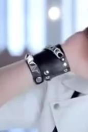 jewels,bracelets,black