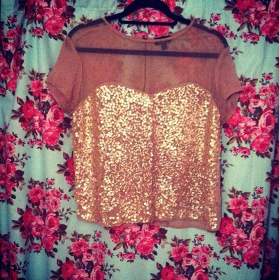 Topshop top. size 8/10. gold.