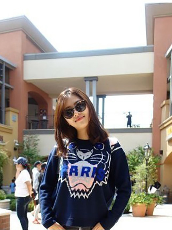 girl sunglasses sweater