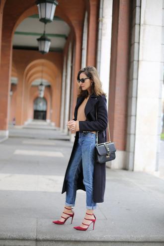 lady addict blogger sweater shoes coat bag