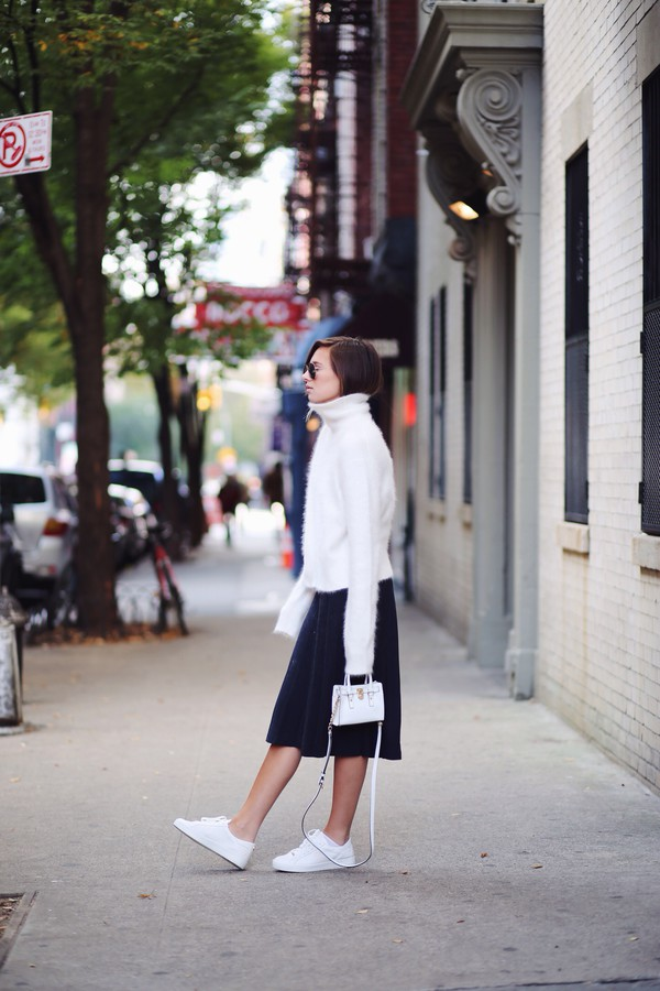 we wore what blogger bag turtleneck black and white