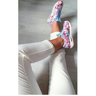 shoes flower boots pink shorts