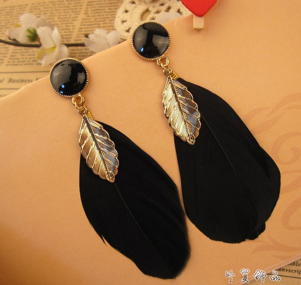 jewels earrings earrings feather earrings feather earrings gold top top blouse blouse dress dress shirt t-shirt short shorts skirt skirt clothes clothes accessories jewelery