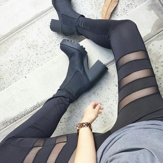 leggings black shoes