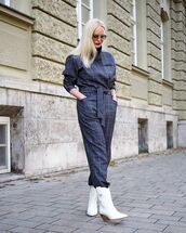 jumpsuit,checkered,ankle boots,white boots,belt,round sunglasses,red lipstick